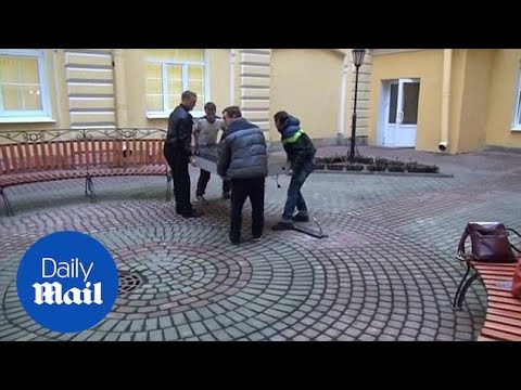 Russians remove Steve Jobs memorial in St. Petersburg - Daily Mail