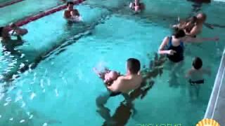 Грудничковое плавание в бассейне. Как проходит занятие в Экологии младенчества