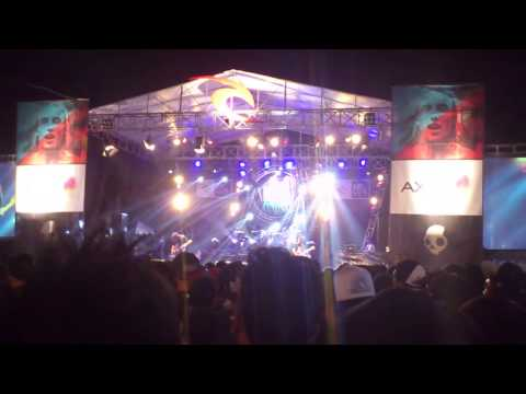 Painful By Kisses - Putih ( RIP CURL music fest 2012)