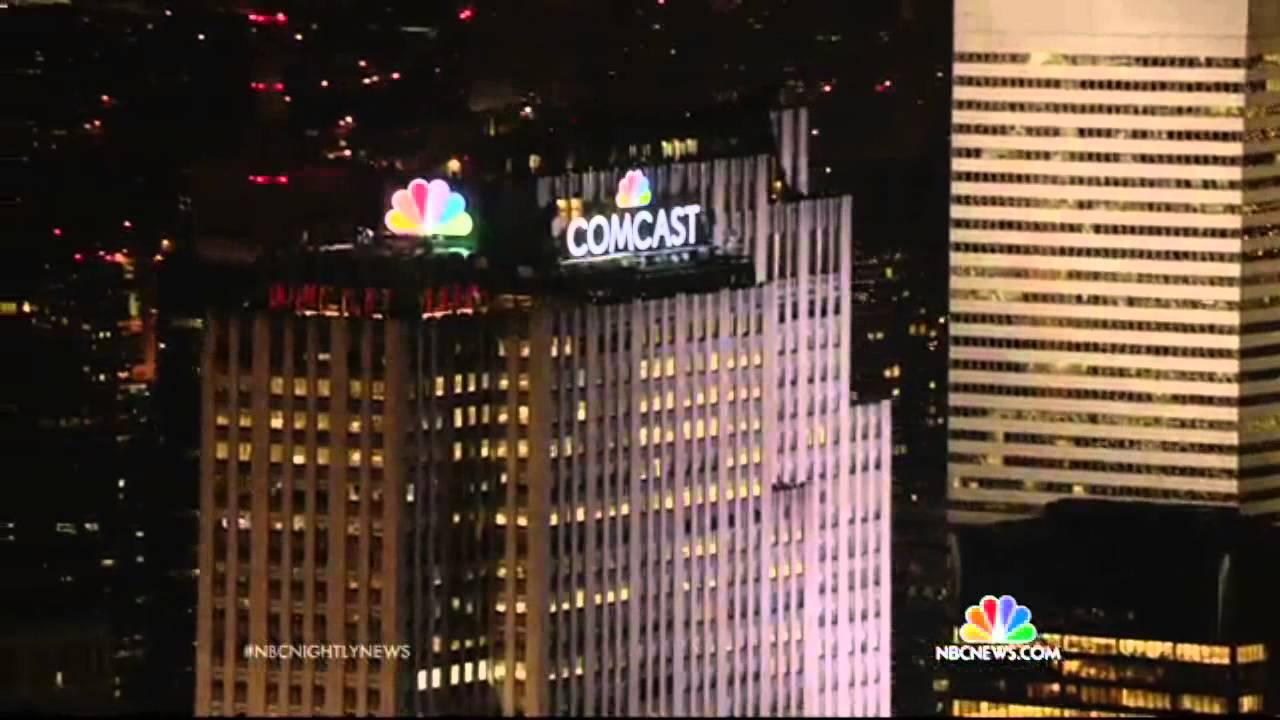 Nbc Nightly News Nbc Peacock Lights Up Nyc Skyline Youtube