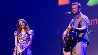 Justin Timberlake & Anna Kendrick Perform 'True Colors' at Cannes