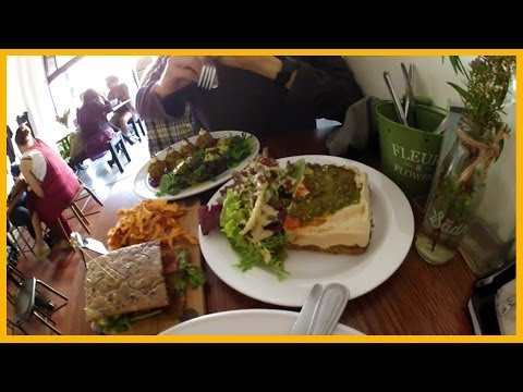 GOURMET RAW FOOD AT SADHANA KITCHEN