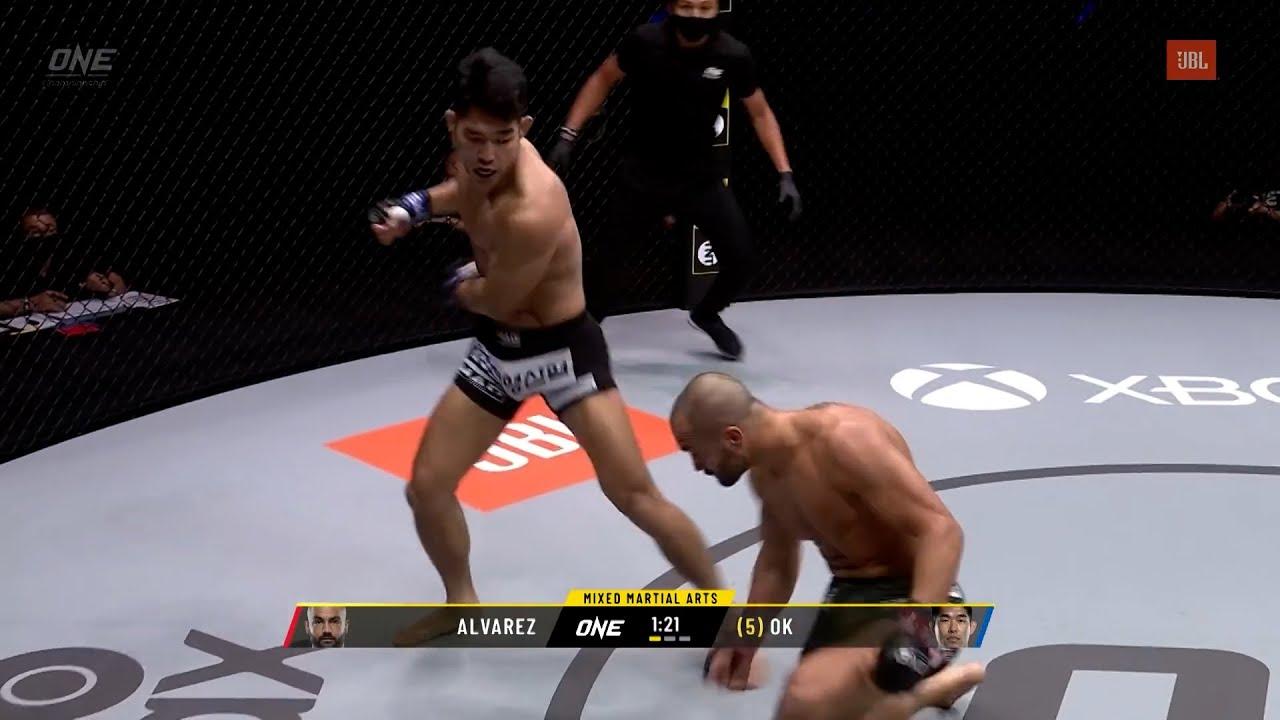 한국인의 훅 한방에 무너지는 전 UFC 세계 챔피언...