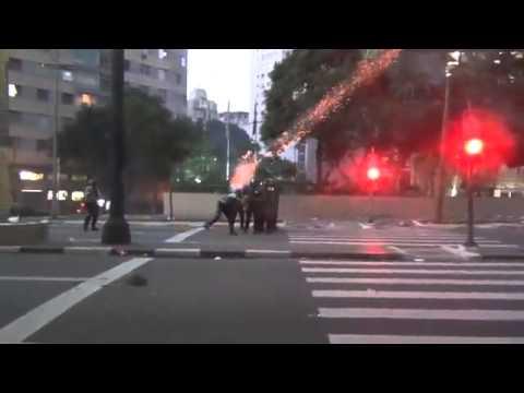 SP  Protesto De Sem Teto Termina Em Confusão - Leitura Dinâmica 29/04/2014