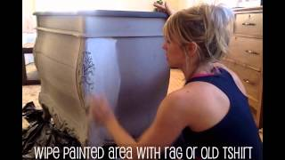 """How to Apply the """"Wash"""" Technique With Chalk Paint"""