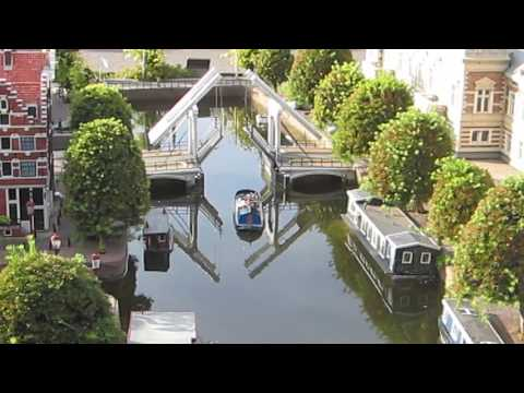 Working model of Opening the canal for ship at Madurodam , Holland.