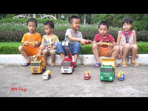 Cùng bé chơi xe ben xe cần cẩu xe cứu hỏa | Đồ chơi xe ô tô công trình điều khiển từ xa | MN Toys