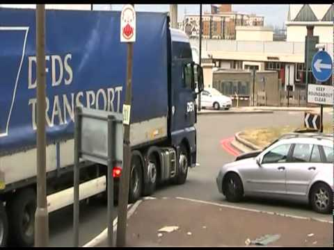 Woolwich Ferry Roundabout Daily Chaos