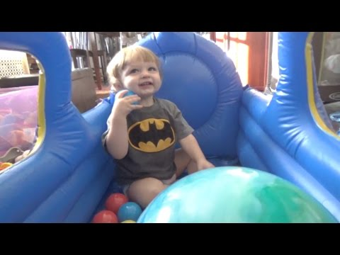 Toys r Us Choo Choo Train-Blow Up Ball Pit Review