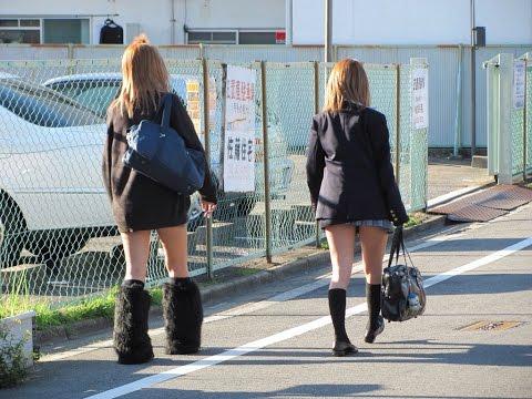 女子高生のセーラー服に,にきびは不似合だよ。