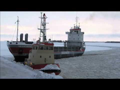 Icebreaking tug Valkyria / Giessenborg