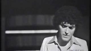 """Debutto televisivo di  CRISTIANO MALGIOGLIO che canta """"NEL TUO CORPO"""" molto raro!"""