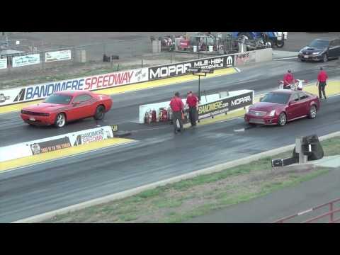 Cadillac CTS-V vs Dodge Challenger RT