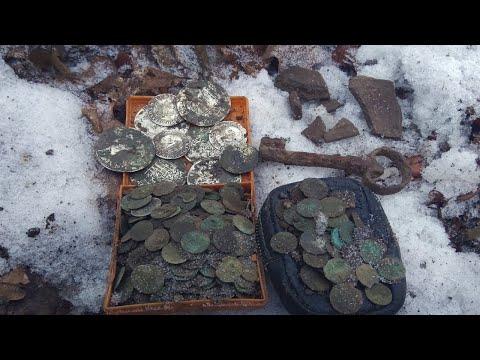 Серебряные монеты 350 штук