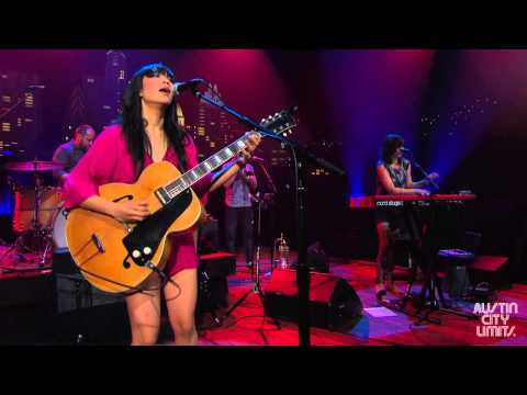 "Austin City Limits Web Exclusive: Thao & the Get Down Stay Down ""Move"""