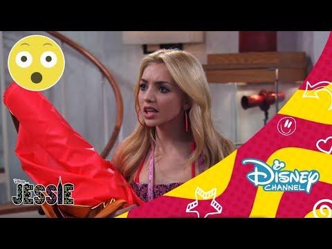 Disney Channel España | Jessie - Los Ross en el mar. Parte 3