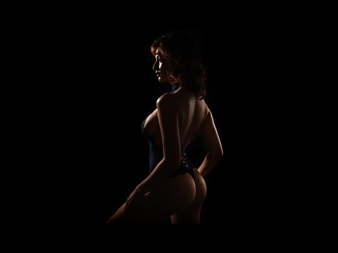 1 Speedlight Dramatic Short-light For Boudoir With Lindsay
