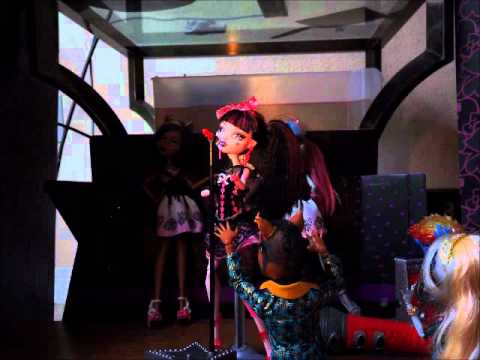 Monster High Karaoke Stop Motion!