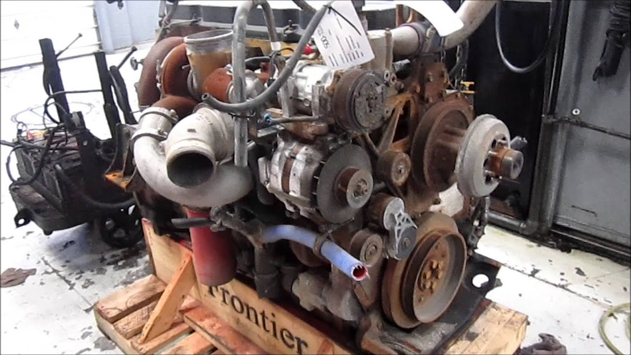 hight resolution of 2005 caterpillar c13 acert engine running kcb
