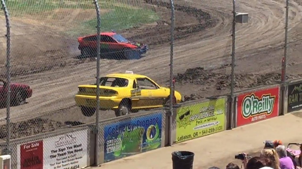 Trash Cars Willamette Speedway 2017 - YouTube