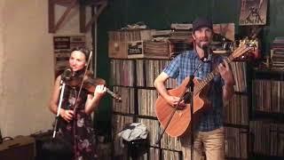 """Africa"" Tim McMillan & Rachel Snow 2019 LIVE at Hunny-Bunny Nagoya, Japan"