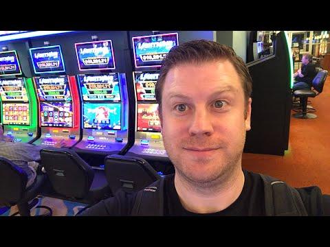 Lightning Link Live Casino Slot Machine Play