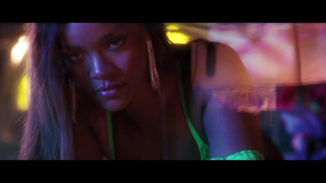 Rihanna SavageXFenty iç çamaşırı çekimleri