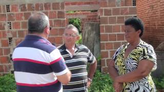 Doméstica apela aos Limoeirenses por apoio para realizar o sonho da casa própria.