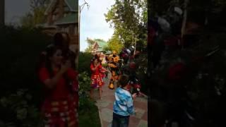 Скачать Танцы веселого робота Трансформеры танцуют