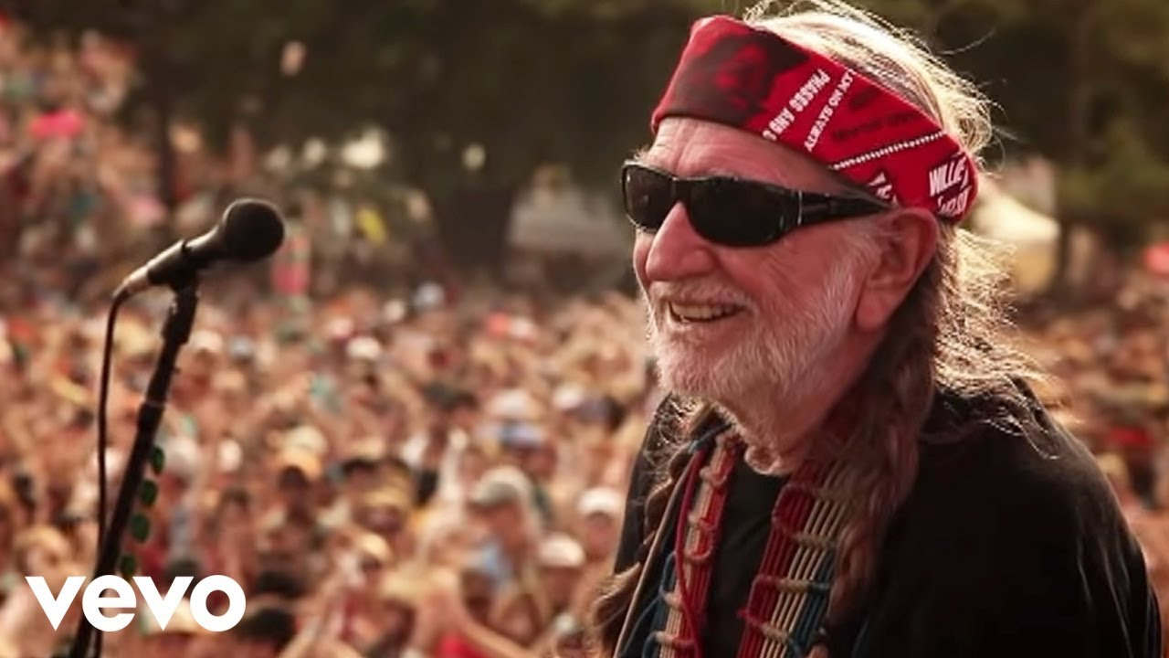 Willie Nelson smoking: Country singer says he's no longer smoking ...
