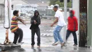 Emociona ver estes meninos dançando na rua  Puro talento