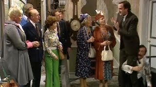 Fawlty Towers: Fa-fa-fa-fire! thumbnail