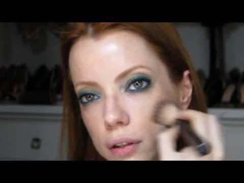 Julia Petit Passo A Passo Coque Nó/ Olho Verde Maquiagem