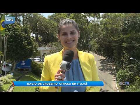 Cruzeiro de luxo atraca em Itajaí
