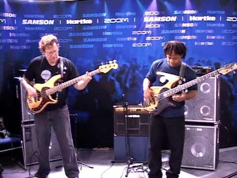 Victor Wooten and Stu Hamm jamming Hartke amps together!