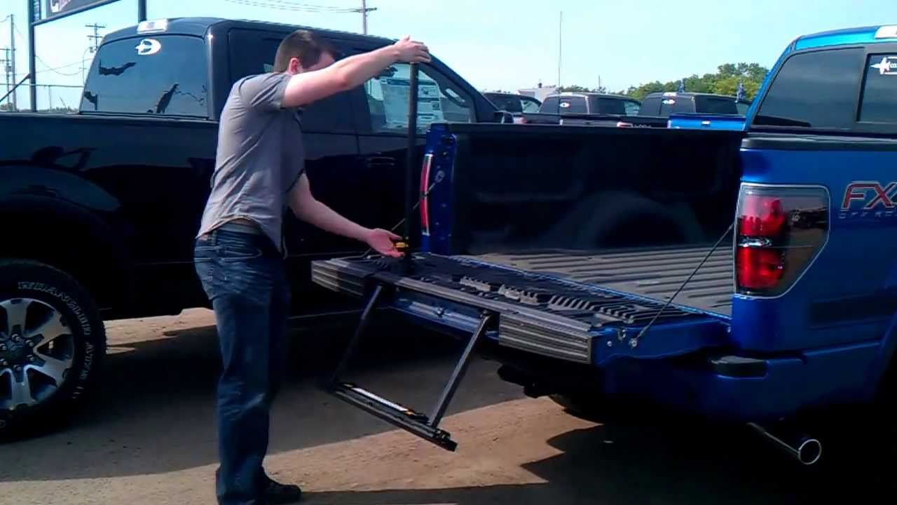 Tailgate Step Operation On A Ford F150 Youtube