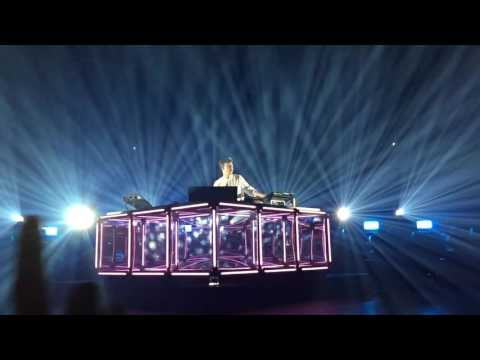 FLUME - heater live - FIRST ROW (unreleased song )
