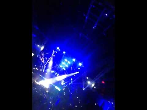 Miley Cyrus gig in Glasgow 2014 - Be Yourself x
