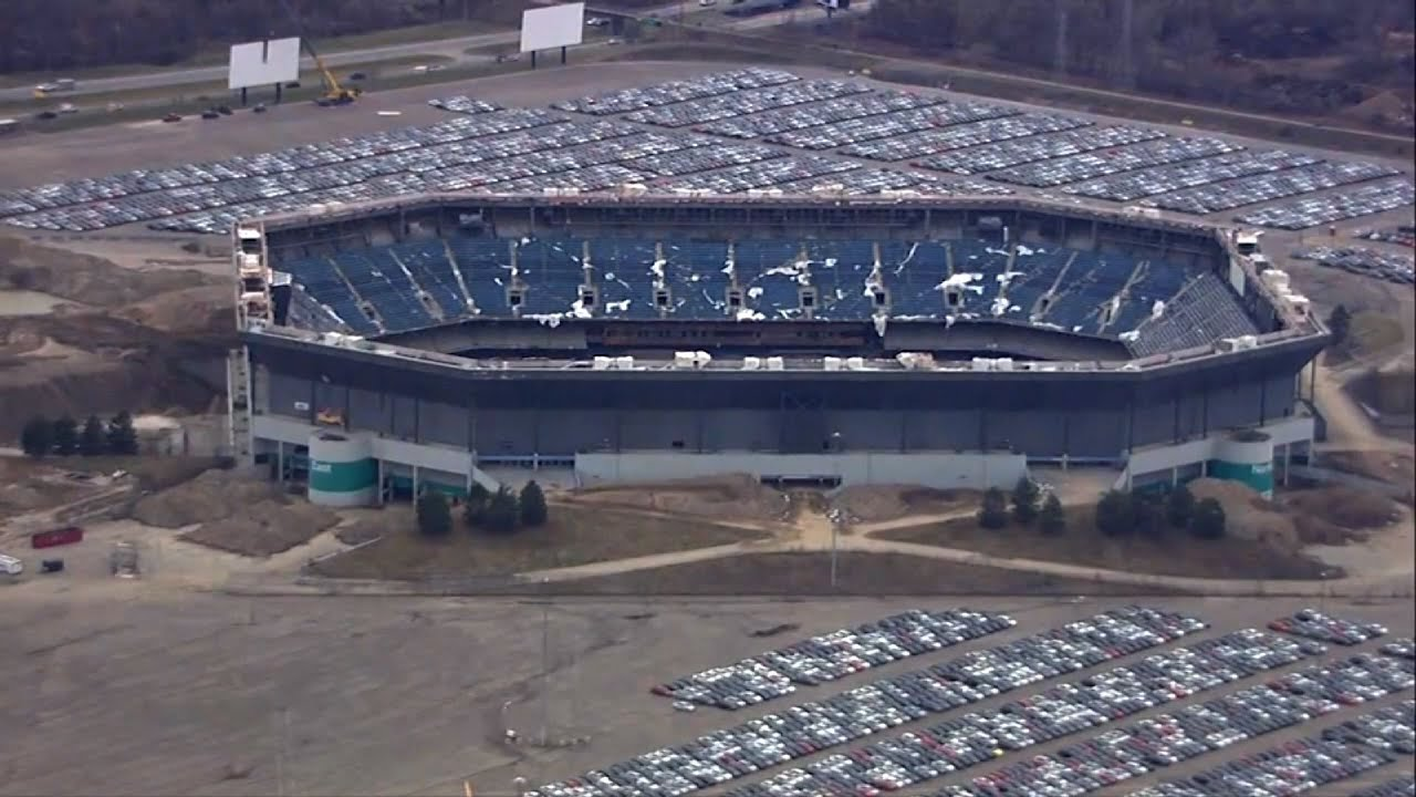 Pontiac Silverdome Parking Lot Still Full Of Vw S Cheating Diesels After Demolition Mlive Com