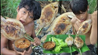 Primitive Technology - Awesome Cooking  Fish In Wild - Eating delicious