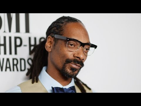 "Snoop Dogg RIPS Suge Knight APART "" He ROBBED 2Pac I Hope He Rots in That Cell 