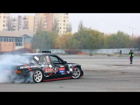 Mercedes 190 W201 V8 drift