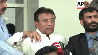 Musharraf returns to Pakistan amid death threats, addresses supporters