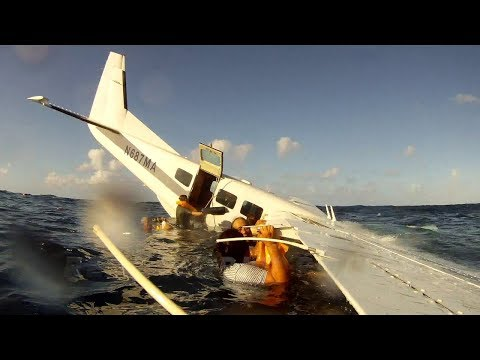 Cessna Engine Failure and Ditching in Ocean, Filmed From Inside (HD)