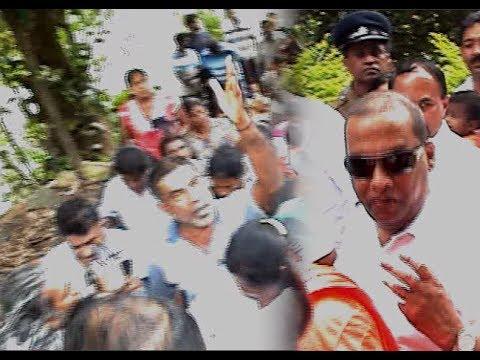 Mahinda Amaraweera chased by Badulla Masses