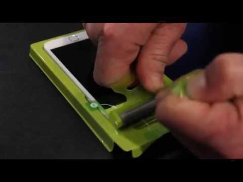 [CES2015] Demo of PureTek Roll-On Screen Shield Kit for iPhone