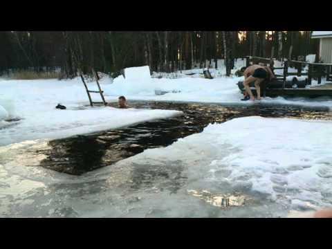 General Makkonen  Avantouinti Ice swimming Is Bading 30. tammikuuta 2016