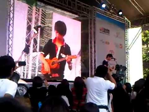 (Michael Jackson) Billie Jean by Sungha Jung at Thailand Ukulele Festival 2012 (Partly)