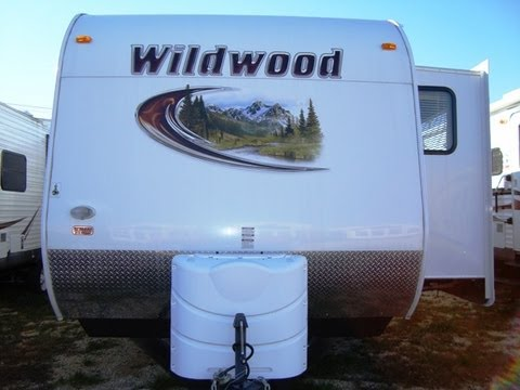 Wildwood 30fkbs 1 bedroom front kitchen travel trailer for 1 bedroom rv