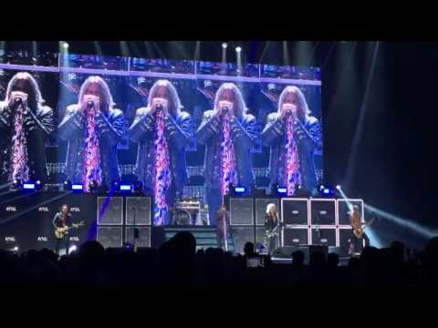 Def Leppard - Dangerous (Live) at the Alliant Energy Center in Madison, WI (8/6/16)